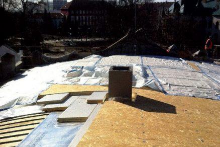 Oblouková jednoplášťová plechová střecha s PIR izolací