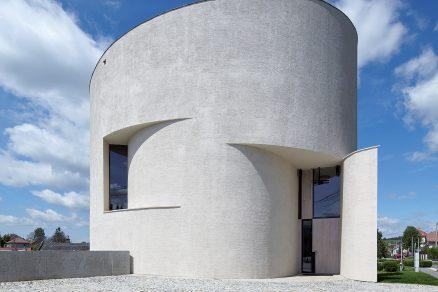Kostel z papíru