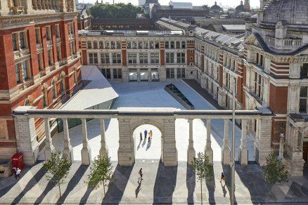 Victoria&Albert Museum nově s podzemní galerií a porcelánovým nádvořím