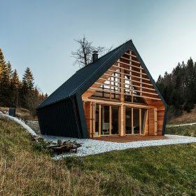 Oceněná dřevostavba slouží jako úkryt před nepřízní počasí