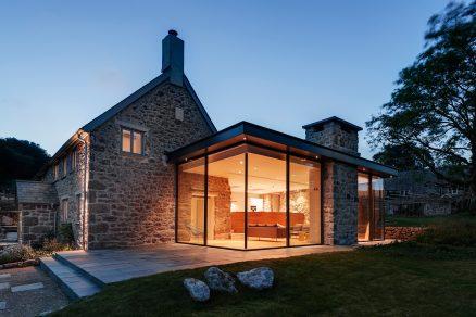 Moderní a co nejvíce soběstačná rekonstrukce historické stavby