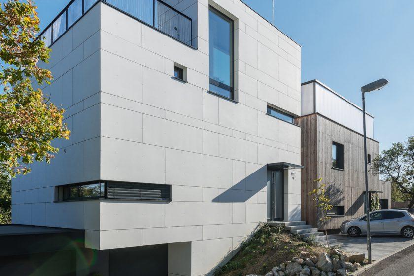 Dva domy na jedné parcele