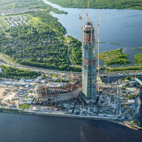 Bednění a lešení od jednoho dodavatele na nejvyšším mrakodrapu v Evropě