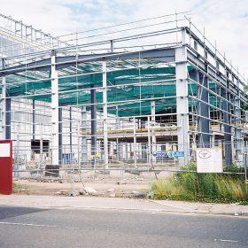 Bezpečné shazování materiálu a předmětů na staveništi