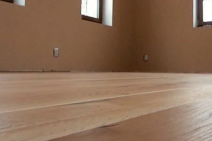 Celoplošné lepení masivní dřevěné podlahy