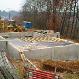 Realizace betonové konstrukce bílé vany