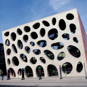 Barevné betony rozšiřují možnosti využití betonů v moderní architektuře