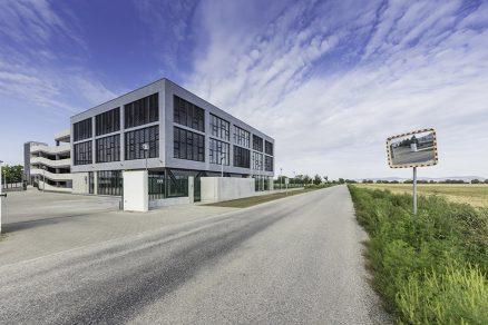 Administrativní centrum jako zelená budova v ultra-nízkoenergetickém standardu