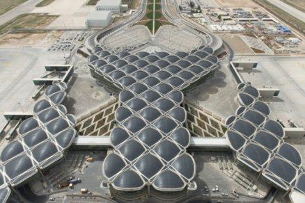 Jordánsko má letiště od Fostera