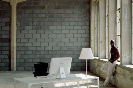 Kancelářský stůl – živé designérské téma