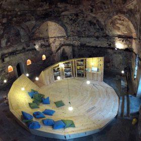 Knihovna ve starých tureckých lázních