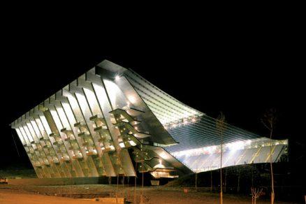 Membránové střechy z předpjatého betonu
