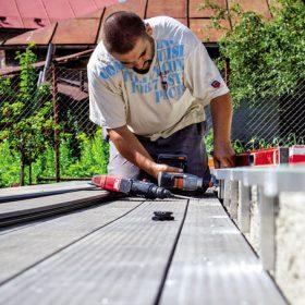 Montujeme dřevoplastovou terasu