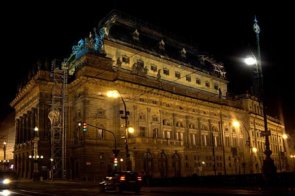 Národní divadlo spoří a jde cestou zelené osvěty