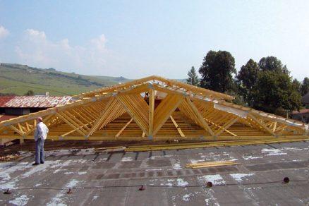 Navrhování dřevěných konstrukcí podle eurokódu 5