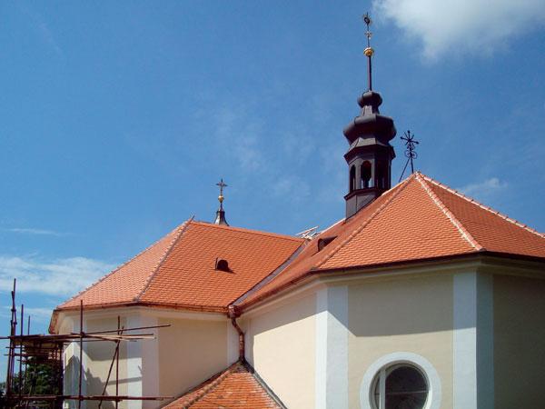 Nová střecha pro kostel sv. Augustina vSyrovicích