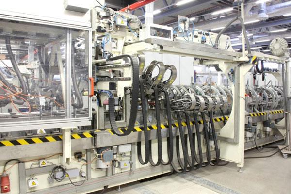 Nová výrobní hala na barevné plastové profily firmy Schüco