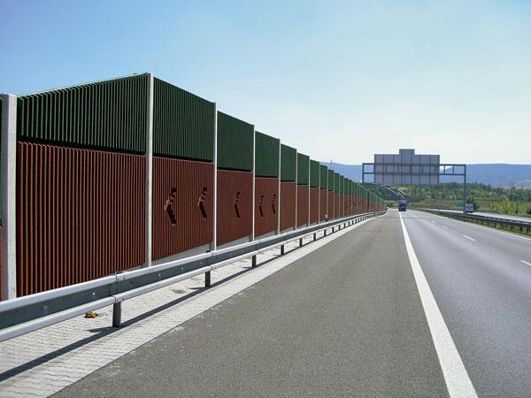 Ochrana betonu – barevné řešení PHS aochrana proti graffiti