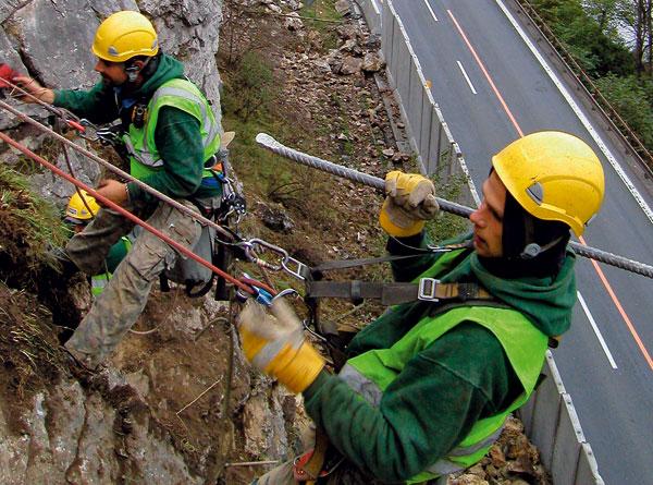 Odstranění havarijního stavu skalních stěn uStrečna