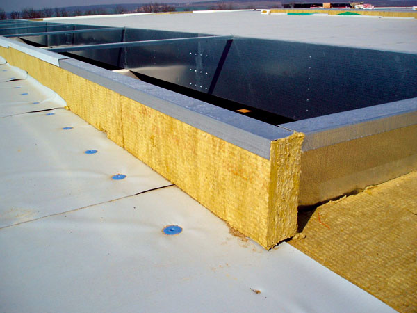 Ploché střechy — optimalizace arealizace staveb