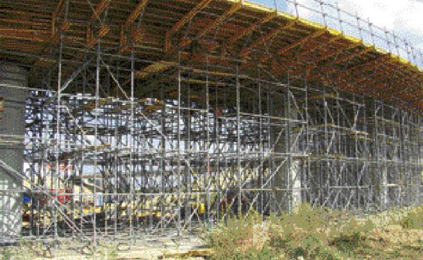 Podpěrná skruž abednění mostovky  na obchvatu Trnavy