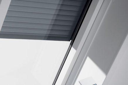 Předokenní rolety pro střešní okna