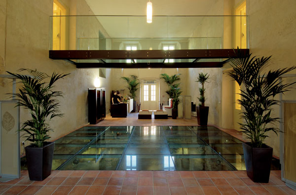 Přestavba kláštera na Mandarin Oriental Hotel