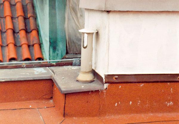 Prostupy hydroizolací na plochých střechách