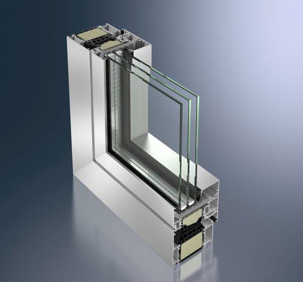 První hliníkový okenní systém s hodnotami tepelné izolace na úrovni pasivních domů