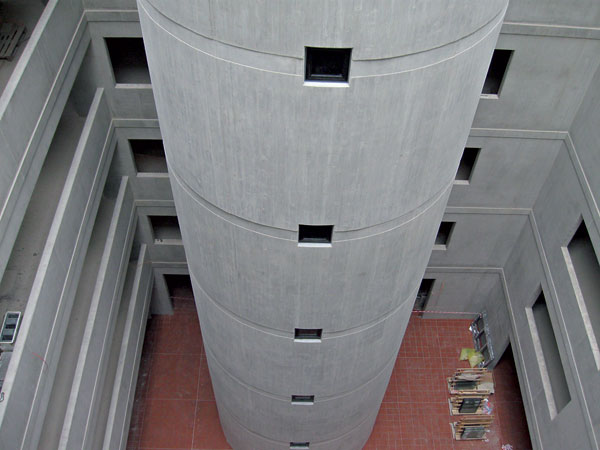 Realizace betonového kruhového schodiště