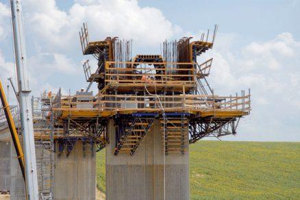 Realizace mostu technologií výsuvné skruže