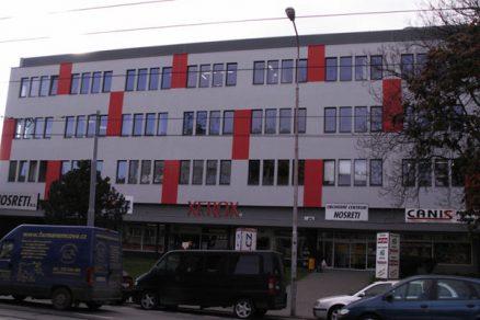 Rekonstrukce obvodového pláště obchodního centra s materiály FERMACELL