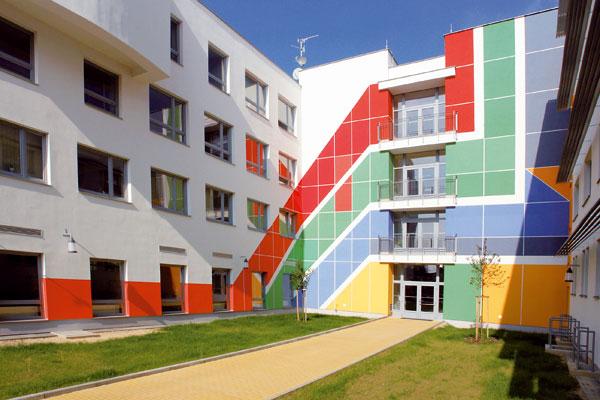 Škola v barvách duhy