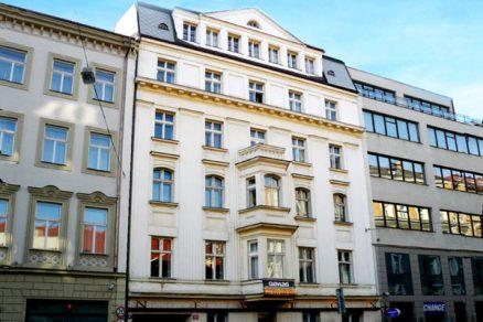 Soubor budov u Václavského náměstí vydražen