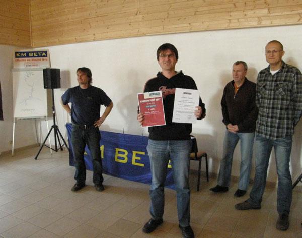 Soutěž Kamion plný KM BETY: O vítězi rozhodlo deset metrů čtverečních krytiny