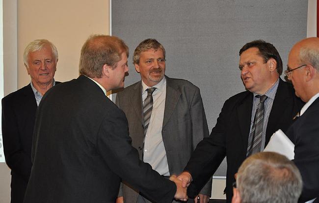 """Titul """"Nejlepší výrobce stavebnin roku 2012"""" patří společnosti Wienerberger"""