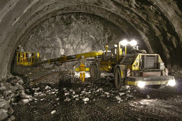 U Zbraslavi roste unikát: nový most přes Vltavu a dvojice tunelů