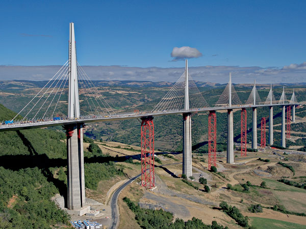 Viadukt Millau – koncepce a realizace projektu
