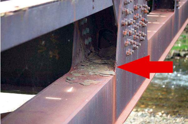 Vliv různých aspektů na životnost ocelové mostní konstrukce