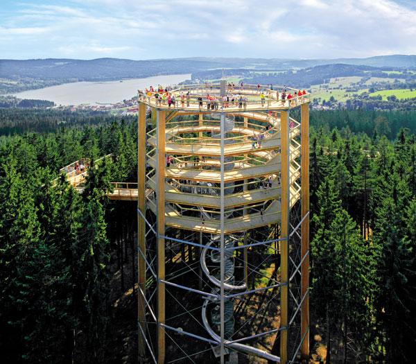 Vyhlídková věž nedaleko Lipna nad Vltavou