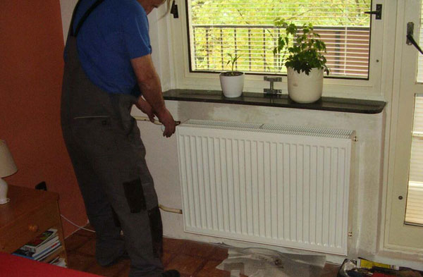 Vyměňte starý velký neekonomický a opotřebený radiátor za nový štíhlý úsporný a hezký
