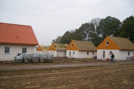 Výstavba domů v oblastech postižených povodněmi v rekordním čase