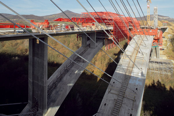 Výstavba mostu Oparno