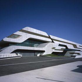 Záhadná budova v Montpellier