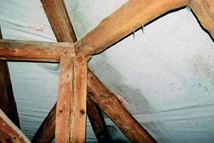 Zateplování střech a související poruchy