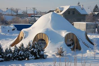 První slaměný dům na světě postavili na Slovensku