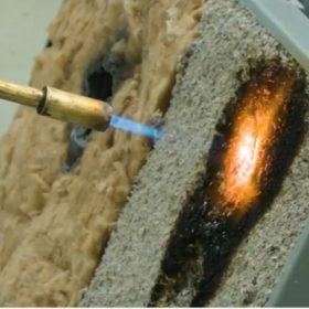 Která izolace nejdéle odolá přímému ohni?