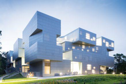 Nová budova Visual Arts od Steven Holl Architects